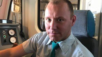 Menő dolog földalatti repülőt vezetni. Ilyen a metróvezetők élete.