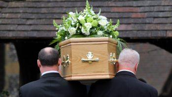 Nem mindegy, hogy ki jön az elhunytért - egy sírásó mesélt nekünk.
