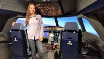 BGéSZC a Lányok Napján - világító Minecraft kocka és Airbus szimulátor