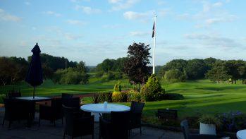 Takarítás egy angliai golfklubban – az elit szolgálatában